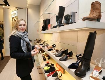 26/12/2019 Brown Thomas Sale. Pictured is Marta Kirwan from LA USA today (26th December 2019) at the highly anticipated Brown Thomas Sale.  Photo: Sasko Lazarov/Photocall Ireland