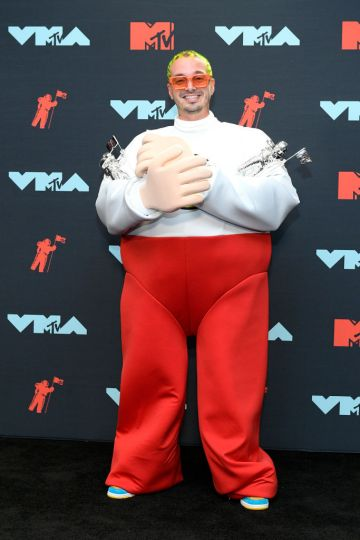 J Balvin poses with awards in the Press Room during the 2019 MTV Video Music Awards at Prudential Center on August 26, 2019 in Newark, New Jersey. (Photo by Roy Rochlin/Getty Images for MTV)