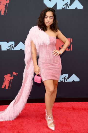 NEWARK, NEW JERSEY - AUGUST 26: Kiana Lede attends the 2019 MTV Video Music Awards at Prudential Center on August 26, 2019 in Newark, New Jersey. (Photo by Dimitrios Kambouris/Getty Images)