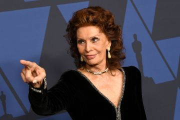 Sophia Loren attends the Academy Of Motion Picture Arts And Sciences' 11th Annual Governors Awards at The Ray Dolby Ballroom at Hollywood & Highland Center in Hollywood, California. (Photo by Kevin Winter/Getty Images)