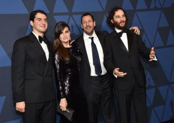 (From L-R) US actor Benny Safdie, US actress Idina Menzel, US actor Adam Sandler and US actor Josh Safdie arrive to attend the Academy Of Motion Picture Arts And Sciences' 11th Annual Governors Awards at The Ray Dolby Ballroom at Hollywood & Highland Center in Hollywood, California. (Photo by Kevin Winter/Getty Images)