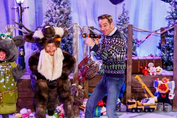 Ryan Tubridy is pictured with children from the Spotlight stage school at the set reveal for The Late Late Toy Show 2019 which will take place on Friday 29th November at 9:35pm on RTÉ One. Picture; Andres Poveda