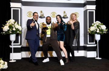 """(L-R) Saul Levitz, Calmatic, Candice Dragonas and Melissa Larsen winner of Best Music Video for """"Old Town Road"""" pose in the press room during the 62nd Annual GRAMMY Awards at Staples Center on January 26, 2020 in Los Angeles, California. (Photo by Amanda Edwards/Getty Images)"""