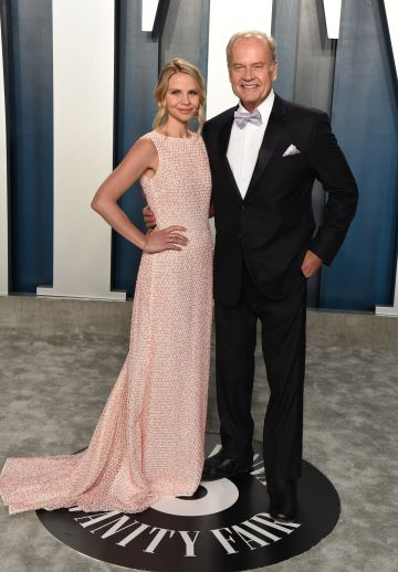 Kayte Walsh (L) and Kelsey Grammer attend the 2020 Vanity Fair Oscar Party hosted by Radhika Jones at Wallis Annenberg Center for the Performing Arts on February 09, 2020 in Beverly Hills, California. (Photo by John Shearer/Getty Images)
