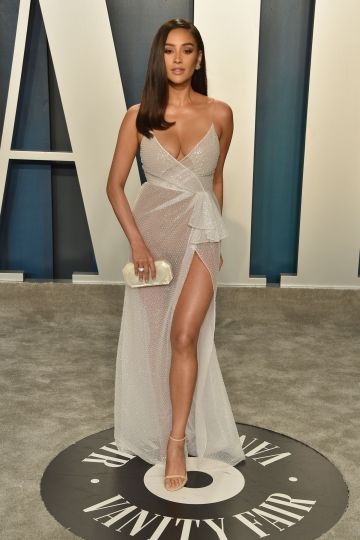 Shay Mitchell attends the 2020 Vanity Fair Oscar Party at Wallis Annenberg Center for the Performing Arts on February 09, 2020 in Beverly Hills, California. (Photo by David Crotty/Patrick McMullan via Getty Images)
