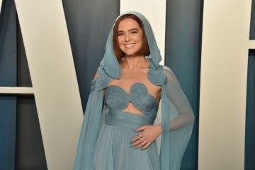 Zoey Deutch attends the 2020 Vanity Fair Oscar Party at Wallis Annenberg Center for the Performing Arts on February 09, 2020 in Beverly Hills, California. (Photo by David Crotty/Patrick McMullan via Getty Images)