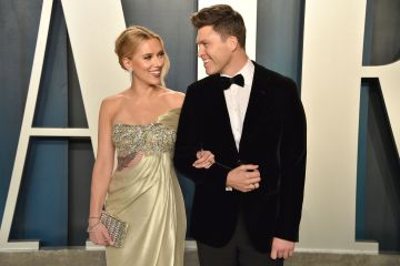 Scarlett Johansson and Colin Jost attend the 2020 Vanity Fair Oscar Party at Wallis Annenberg Center for the Performing Arts on February 09, 2020 in Beverly Hills, California. (Photo by David Crotty/Patrick McMullan via Getty Images)