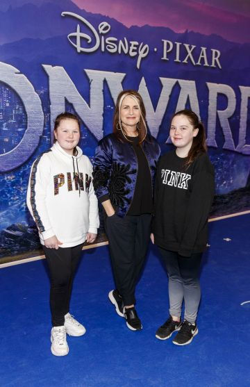Cathy O'Connor pictured with Maggie and Rocha McGettigan from Dublin pictured at the special preview screening of Disney Pixar's Onwards in the Odeon Point Village.  Picture: Andres Poveda