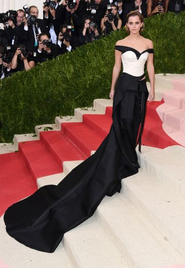 "Actress Emma Watson attends the ""Manus x Machina: Fashion In An Age Of Technology"" Costume Institute Gala at Metropolitan Museum of Art on May 2, 2016 in New York City.  (Photo by Venturelli/FilmMagic)"