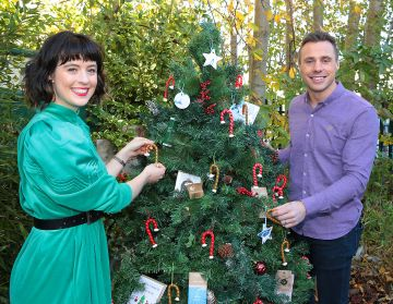 Ireland AM presenter Tommy Bowe with Martha O'Brien Keogh of Mimi and Martha Interiors and Lifestyle pictured as they announced that  Virgin Media'sIreland AM is calling on local Irish businesses to feature in its#BackingLocalcampaign which gives businessesthe opportunity to promote their service or product to the nationin the run up to the festive season   Image credit: Virgin Media