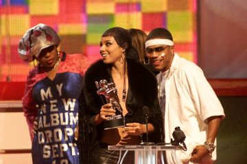 2001: Macy Gray, Alicia Keys and Nelly onstage at the 2001 MTV Video Music Awards held at the Metropolitan Opera House at Lincoln Center in New York City on September 6, 2001. Photo by Scott Gries/ImageDirect