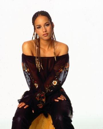 2001: Portrait of Grammy Award winning American singer Alicia Keys, New York, New York, 2001. (Photo by Anthony Barboza/Getty Images)