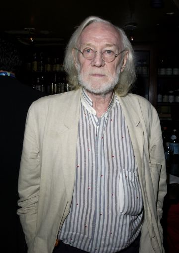 Well known actor Richard Harris was the first to portray headmaster Albus Dumbledore in Harry Potter and the Philosopher's Stone. Harris was best known for his roles in Camelot (1967) and Gladiator (2000) prior to taking on the role of Dumbledore. Harris died in October 2002 shortly before the premiere of 'Harry Potter and the Chamber of Secrets'   (Photo by J. Vespa/WireImage)