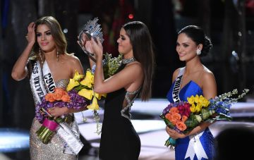 An honourable mention to Steve Harvey, who managed to announce the wrong winner of Miss Universe in 2015, leading to this awkward moment.   He named Gutierrez Arevalo as the winner instead of Wurtzbach during the 2015 Miss Universe Pageant.   (Photo by Ethan Miller/Getty Images)