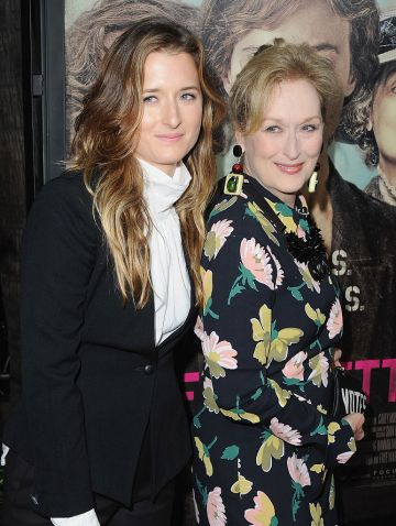 """Grace Gummer and mom Meryl Streep arrive at the Los Angeles Premiere Of Focus Features' """"Suffragette"""" at Samuel Goldwyn Theater on October 20, 2015 in Beverly Hills, California.  (Photo by Jon Kopaloff/FilmMagic)"""