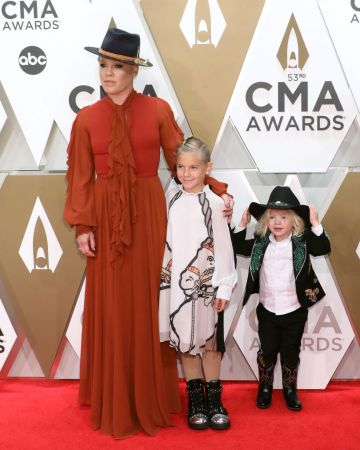 P!nk, Willow Hart, and Jameson Hart attend the 53nd annual CMA Awards at Bridgestone Arena on November 13, 2019 in Nashville, Tennessee. (Photo by Taylor Hill/Getty Images)