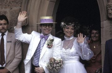 FEBRUARY 14 1984 : ELTON JOHN AND RENATE BLAUEL AT ST MARK'S CHURCH .(Photo by Patrick Riviere/Getty Images)