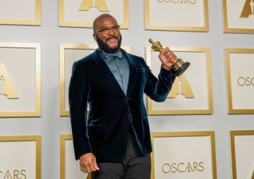 Tyler Perry, winner of the Jean Hersholt Humanitarian Award, poses in the press room during the Oscars on Sunday, April 25, 2021, at Union Station in Los Angeles. (Photo by Chris Pizzello-Pool)