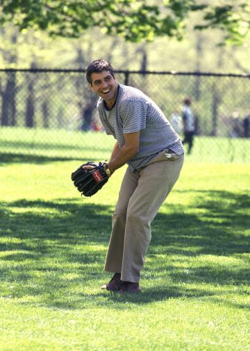 """Actor George Clooney takes a break from filming the movie """"One Fine Day"""" on May 1, 1996 at Central Park in New York City. (Photo by Ron Galella/Ron Galella Collection via Getty Images)"""