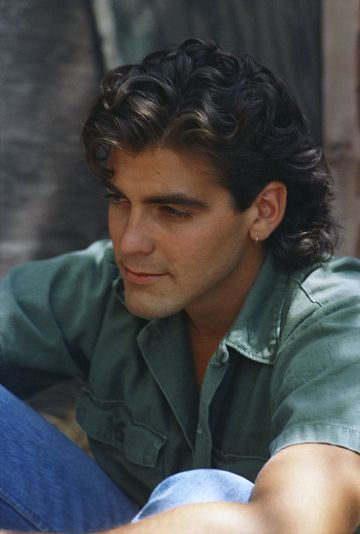 MAY 1985:  Actor George Clooney poses for a  portrait session in May 1985 in Los Angeles, California. (Photo by Michael Ochs Archives/Getty Images)