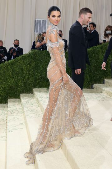 """NEW YORK, NEW YORK - SEPTEMBER 13: Kendall Jenner attends the 2021 Met Gala benefit """"In America: A Lexicon of Fashion"""" at Metropolitan Museum of Art on September 13, 2021 in New York City. (Photo by Taylor Hill/WireImage)"""