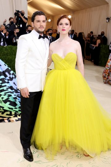 NEW YORK, NEW YORK - SEPTEMBER 13: Kit Harrington and Rose Leslie attend The 2021 Met Gala Celebrating In America: A Lexicon Of Fashion at Metropolitan Museum of Art on September 13, 2021 in New York City. (Photo by John Shearer/WireImage)