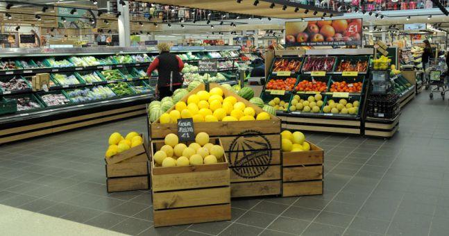 the grocery retailer tesco essay