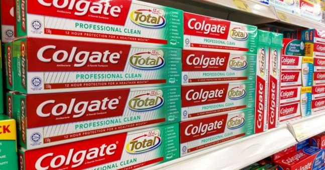 labelling and packaging of colgate toothpaste