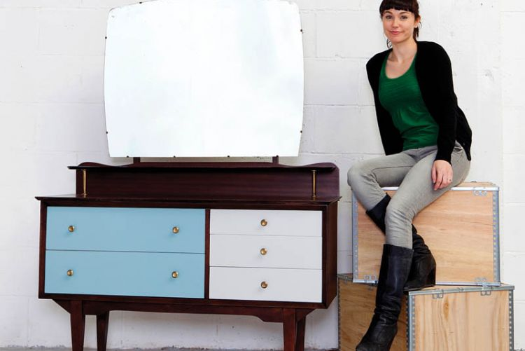 How to: revinvent & upcycle a mid-century dressing table