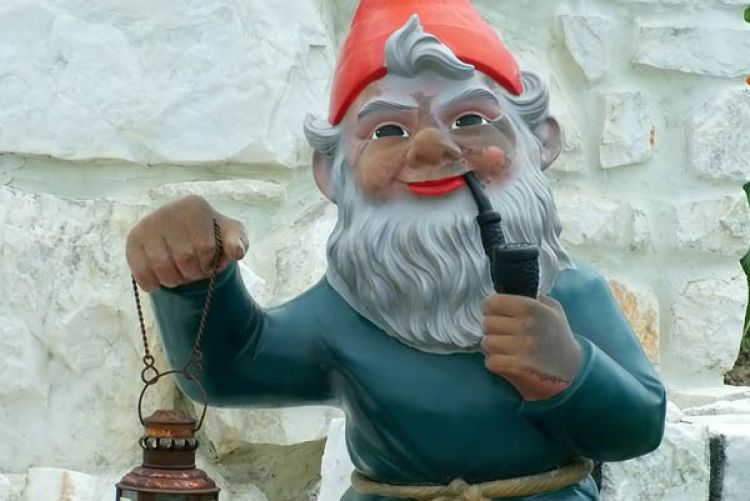 gnome saying a potted history of garden gnomes. Black Bedroom Furniture Sets. Home Design Ideas