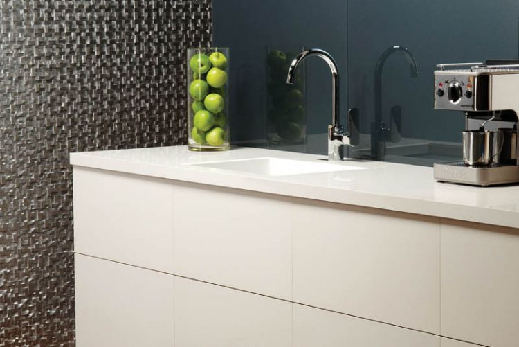 5 tile glass splashbacks that make perfect kitchen complements