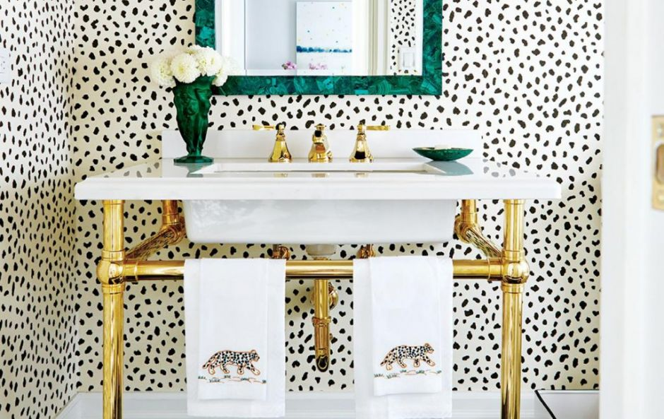 17 times that wallpaper in a bathroom stole the show