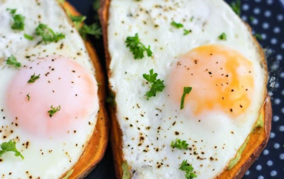 Chefs swear by this trick for cooking the perfect fried eggs