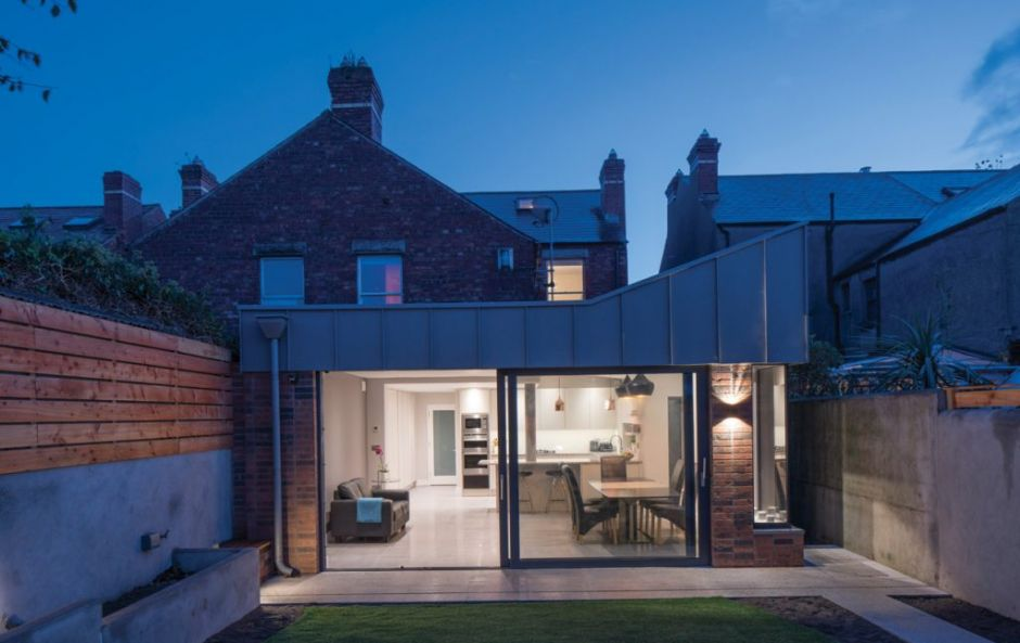 The Light Angle: HOUSE7 Architects gave this family home the perfect extension