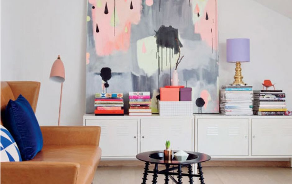 3 key tips for buying the right size art for your living room