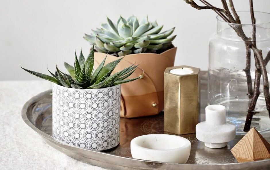 5 easy ways to style your coffee table to impress guests