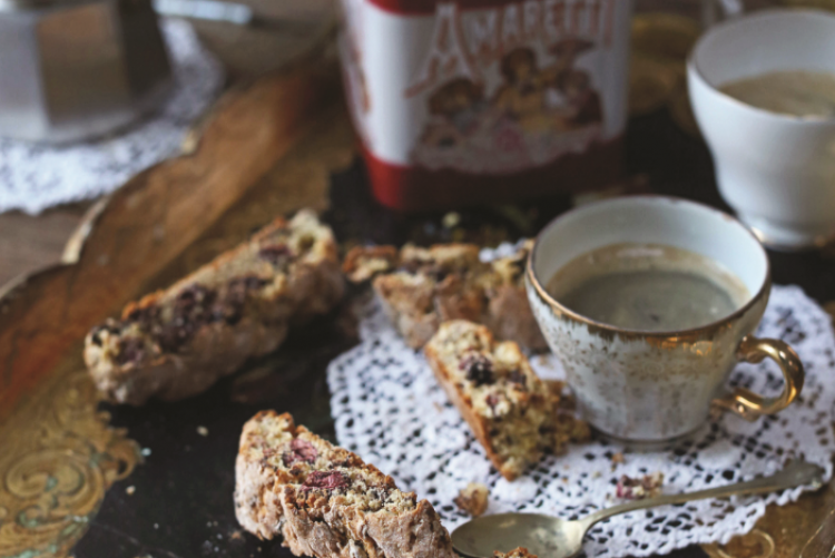CANTUCCINI BISCUITS WITH CRANBERRIES AND CHOCOLATE