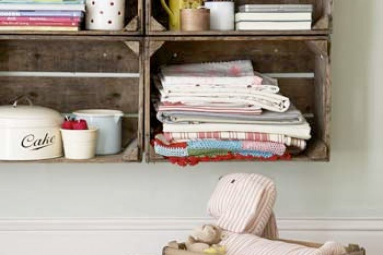 Ten ideas for using vintage crates as storage