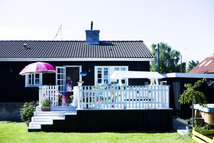 Web Exclusive: Danish Happy Home