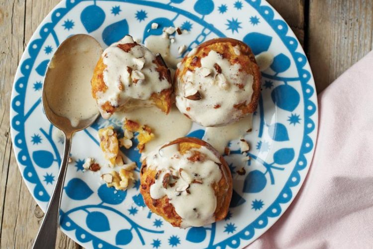 Sweet Treats: Sophie Kooks' Almond Baked Peaches with White Chocolate Sauce