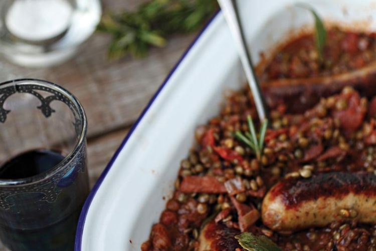 Winter Warmers: Sausages & Lentils with Baby Leaf Salad & Honey Mustard Dressing