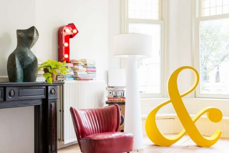 A renovated period home in The Hague that uses colour cleverly