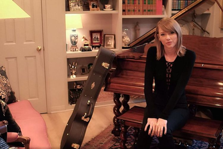 13 THINGS WE'RE OBSESSED WITH IN TAYLOR SWIFT'S HOUSE