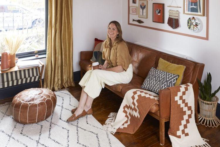 Discover Frieda Furlong's DIY living room makeover using Crown Paint #BehindThePaint