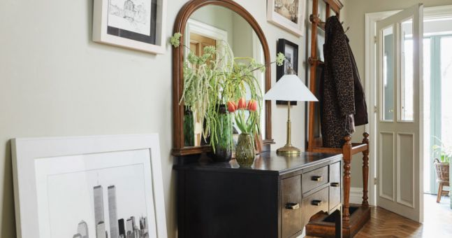 Fantastic Foyer Ideas To Make The Perfect First Impression: Hallway Decor: 7 Ideas That Will Make A Great First