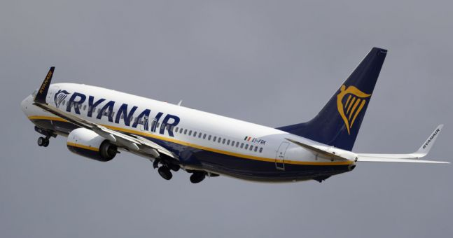 Ryanair accused of MASSIVE breach of Covid-19 safety guidelines