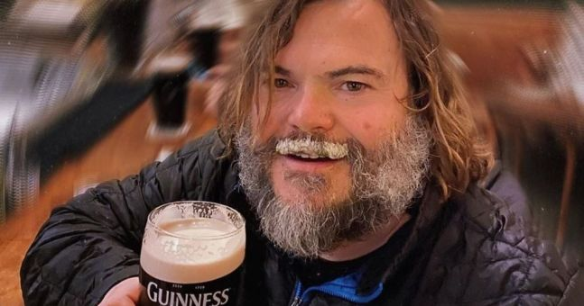 'Thanks Dublin...you da best!' – Jack Black enjoys a Guinness during Ireland visit