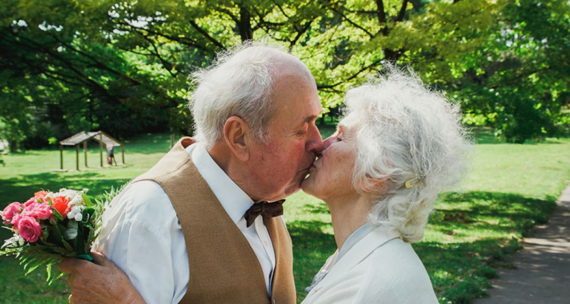 Average age of Irish people getting married is now the oldest on record