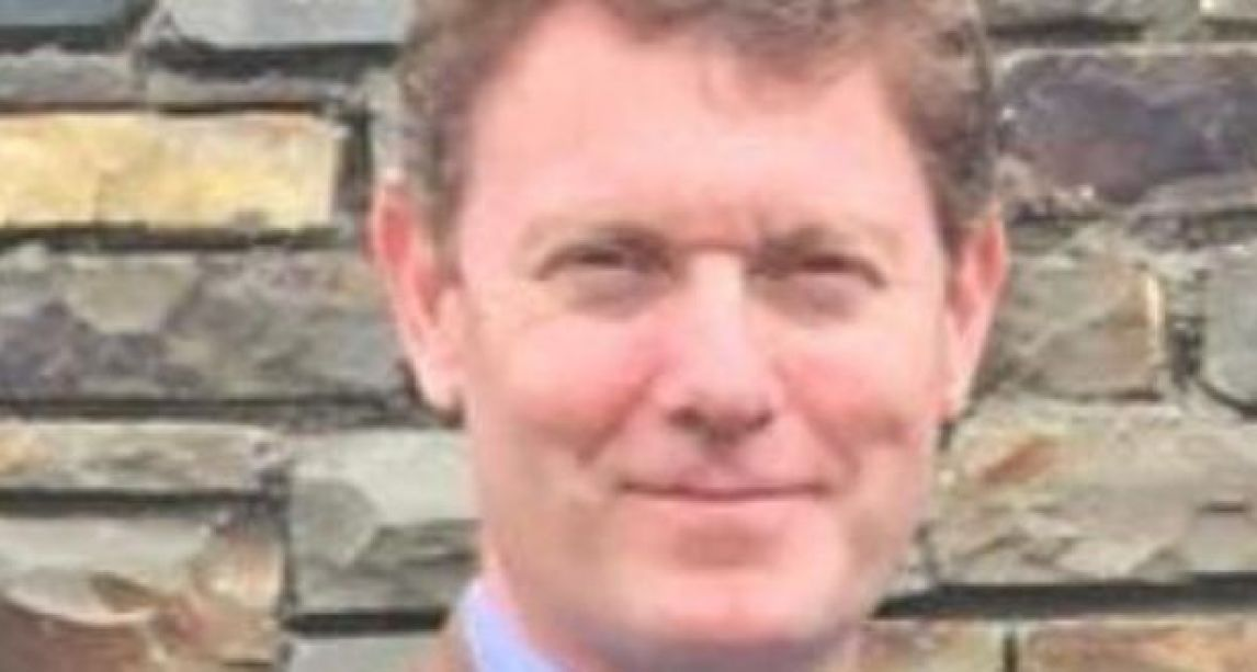 Tragedy as Irish dad-of-three dies suddenly while kitesurfing on beach in Portugal