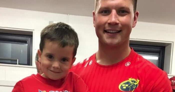 Irish boy, 4, celebrates beating cancer with heroes in Munster rugby team | The Irish Post